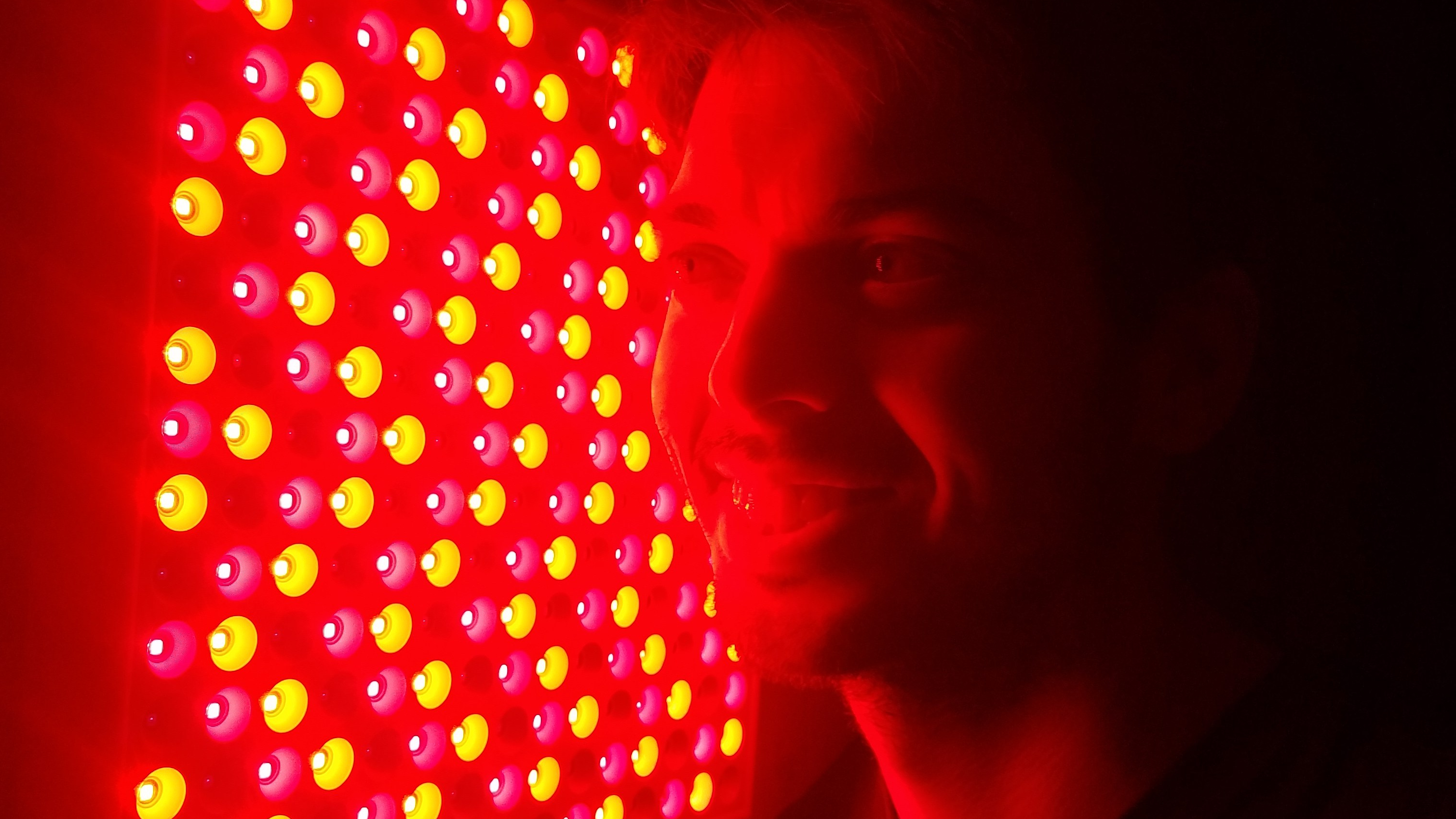 Quale Luce Per Studiare i benefici della luce rossa: intervista ad andrew di gembared